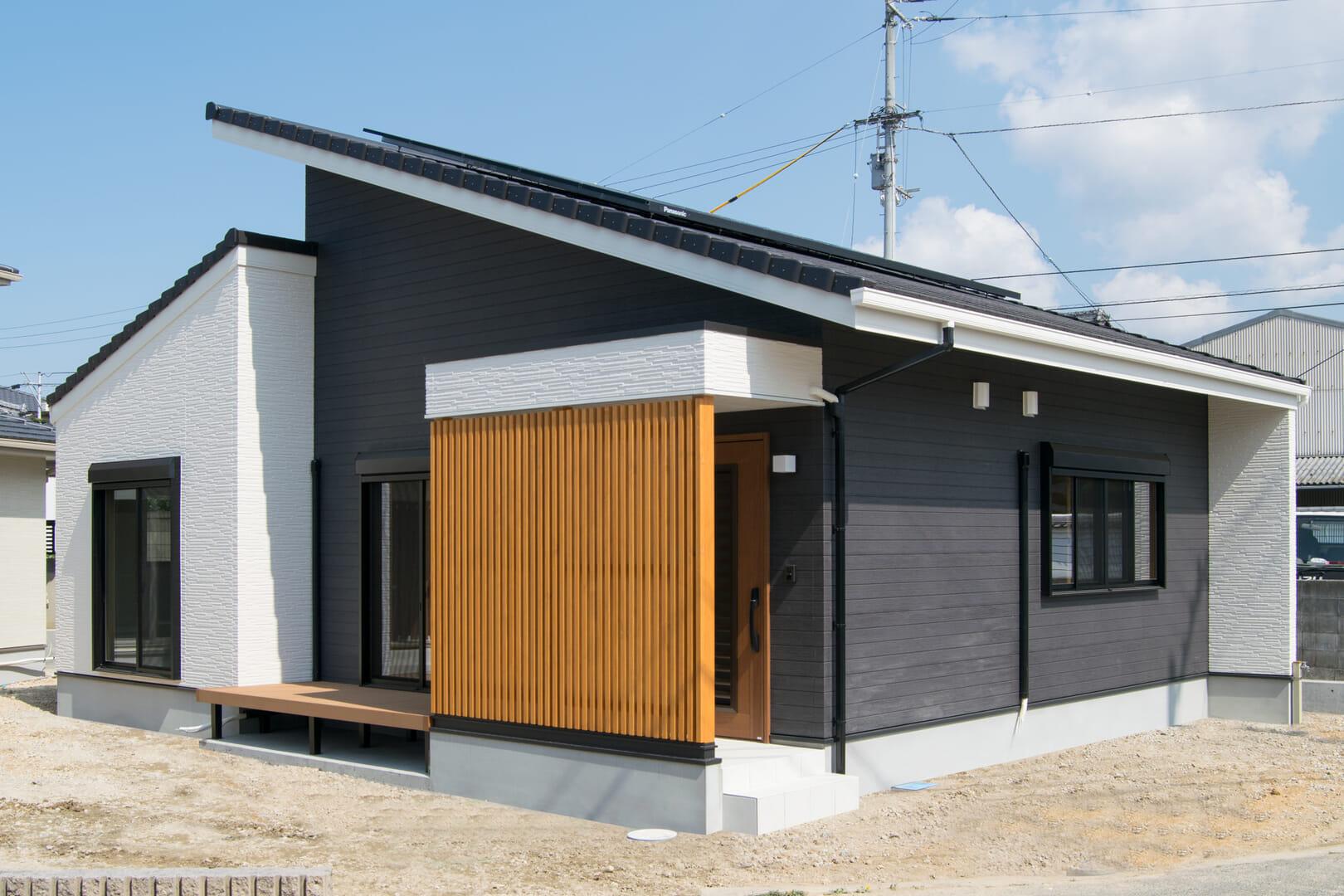 家族の暮らしをやさしく彩る二世帯住宅